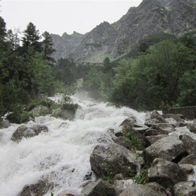 Ladový potok nad Popradským Plesem
